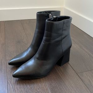 STEVE MADDEN Nix Leather Pointed Black Bootie